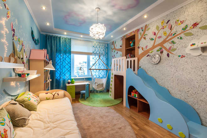 Благодаря экологической чистоте и ремонтопригодности материал идеально подойдет для детских комнат.