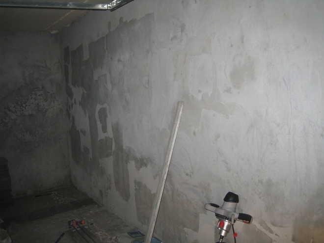 Отделка стен известковой штукатуркой